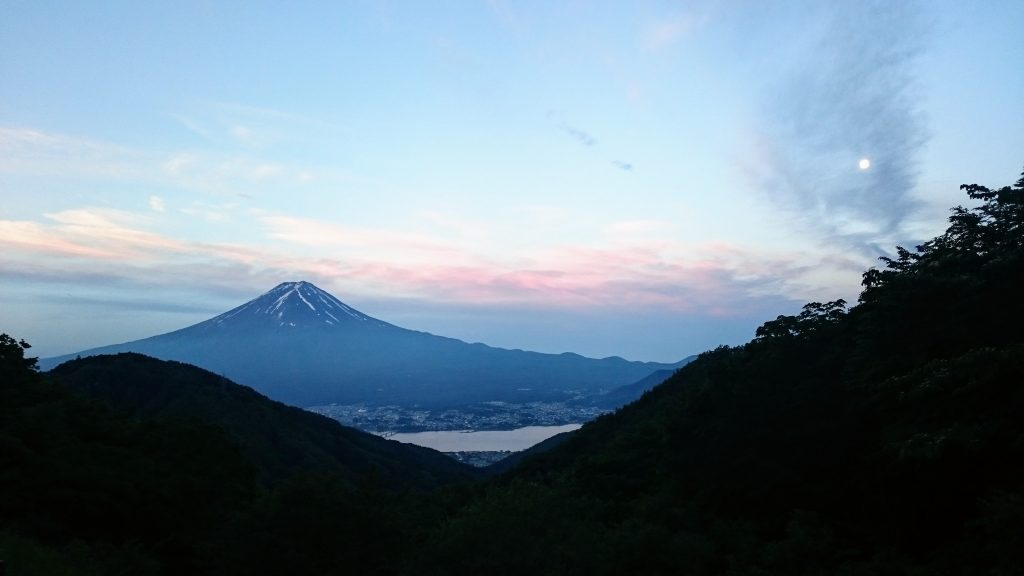 The early morning moon watching Mt Fuji from afar.