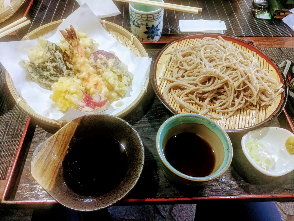 A tasty buckwheat soba and tempura lunch by the lake!