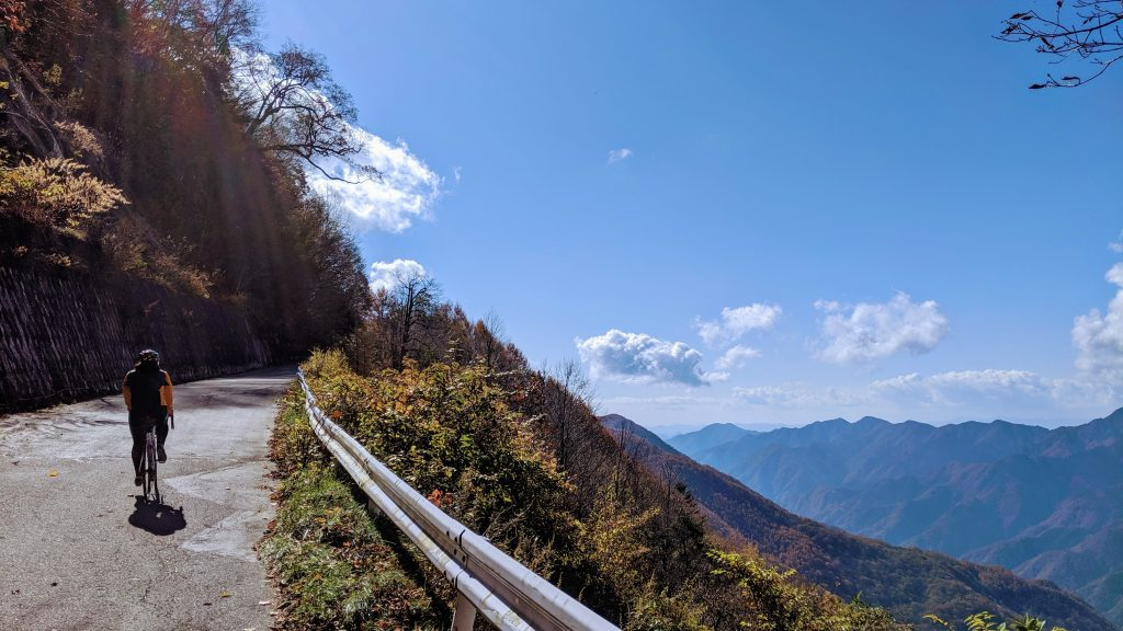 Climbing to the sky alongside the South Alps of Japan.