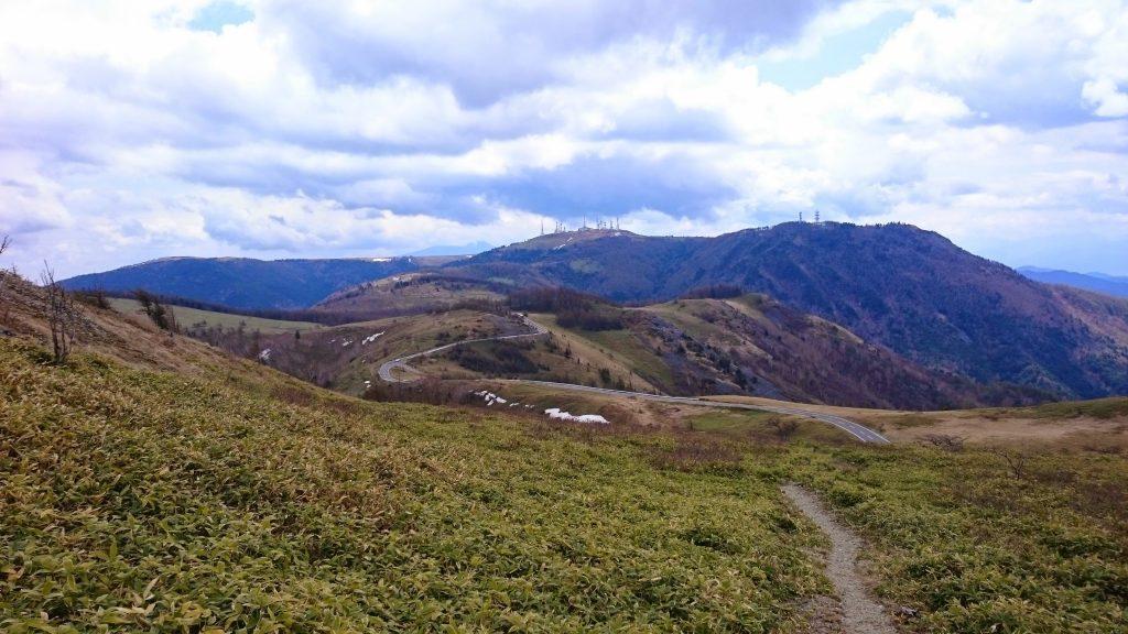 Utsukushigahara Cycling Road to the summit at Ougatou