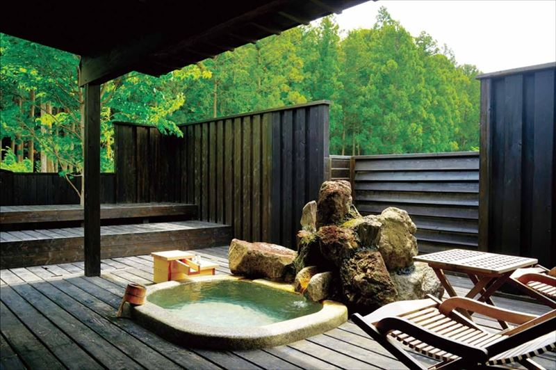 In room private onsen on the Valleys & Volcanoes Tour.